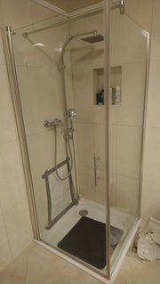 Komplette Dusche inkl Glaswände Armaturen