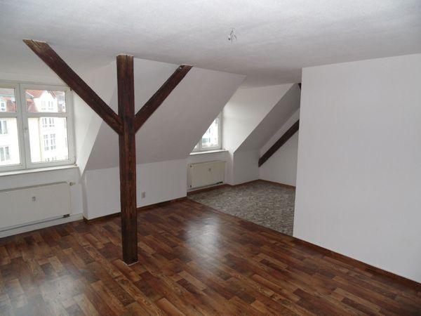 2 Raum Wohnung attraktives Dachgeschoss
