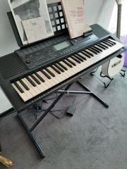 Yamaha PSR - 420 keyboard mit