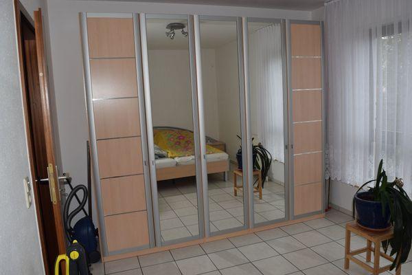 Schlafzimmer-Bergahorn aus der Schweiz