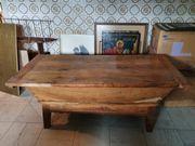 Schöner alter Bäckertisch als Couchtisch