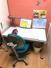 Schreibtisch Moll mit Stuhl Lampe