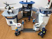 PLAYMOBIL Polizei Kommandozentrale Hubschrauber Segway