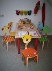 Süße Kindersitzgruppe