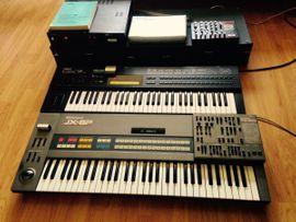 Synthesizer Roland & Yamaha