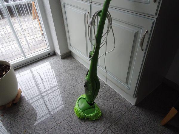 Dampf-Wischmop der Marke cleanmaxx