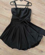 Schwarzes Esprit Kleid 32