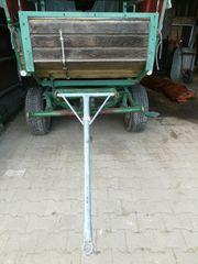 Planwagen für Pferde und Traktor
