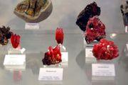 SUCHE Mineralien Einzelstufen oder komplette