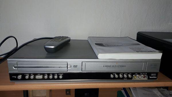 VHS+ DVD Filme - Worms - VHS sowie DVD Filme alles Original überwiegend Jugendfreie Filme.Dazu einen Philips DVP 3100V VHS Recorder, DVD Player ( Kombi Gerät )Sämtliche Teile sind sehr wenig benutzt..Abgabe nur als Komplettpacket. Evt. Tausch PC oder Laptopca. 69 x VHS - Worms
