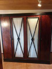 Antiker Schlafzimmerschrank - sehr schön und