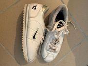 Nike Sneaker Gr 31
