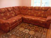 Großes eckiges Sofa mit Schlaffunktion
