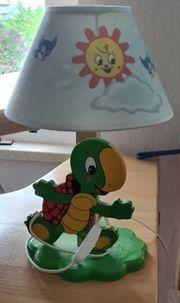 Holzschildkrötennachttischlampe
