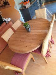 Essgruppe Massivholztisch mit 6 Korbstühlen