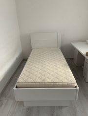 Bett Jugendbett hohes Kopfteil weiß