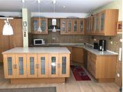 Küche komplett mit Elektrogeräten