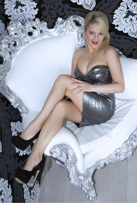 Escort-Damen - MILF Scarlett Wien Vienna Escort