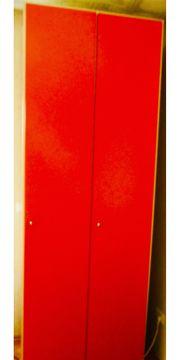 stabiler Hochschrank rot-rosa-farben zu verkaufen