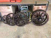 Kellerfund 6 alte Wagenräder aus