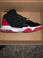 Nike Jordan Schwarz-rot Max Aura