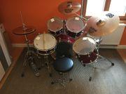 Neuwertiges Schlagzeug zu verkaufen sehr