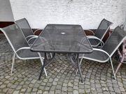Gartenmöbel mit 4 Stühlen und