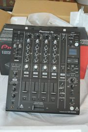 New Roland DJ-2000 Professional DJ