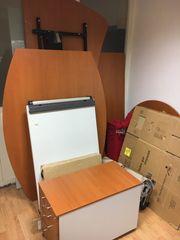Büromöbel - Schreibtisch Besprechungstische Dekoboard etc