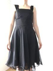 elegantes Abendkleid handgenäht schwarz