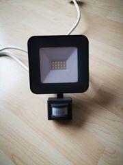 LED Aussenstrahler IP44 10W mit