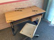 Gebrauchter Schreibtisch mit Stuhl für