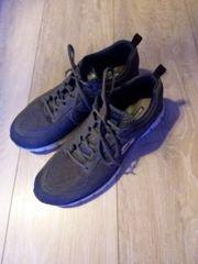 Neue Schuhe von Sketchers