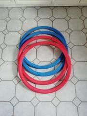 2 rote und 2 blaue