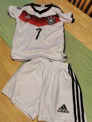 Fussball Trikot Hose Shirt weiß