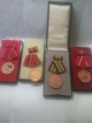 NVA Medaillen sehr gut erhalten