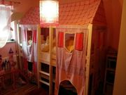 Kinderzimmer aus Massivholz