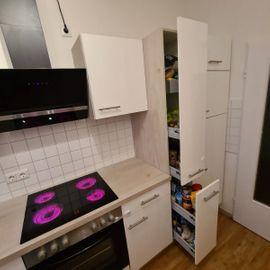 Küchenzeilen, Anbauküchen - Küche mit E- Geräte