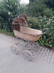 Schöner Retro Nostalgie Kinderwagen