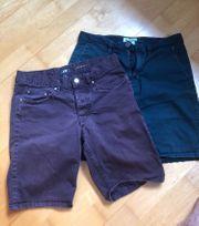 2 kurze Herrenhosen