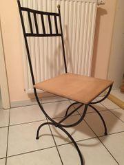 5 Metallstühle mit Holzsitzfläche