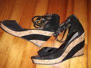Schwarze Korkabsatz-Sandaletten Größe 38