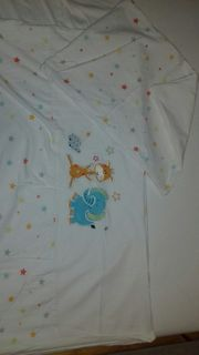 Babybettdecke und -kissen mit Bezug