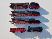 Modell-Eisenbahn und Modellautos