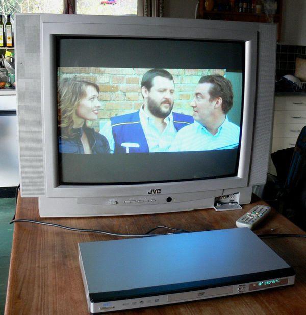 Röhrenfernseher Farbfernseher JVC Diagonale 66