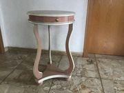 Altes Filigranes Tischchen