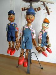 Marionettenfamilie aus Holz