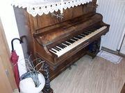 schönes altes klavier