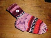 Handgestrickte Socken Gr 22 23