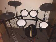 YAMAHA Schlagzeug E-Drum DTX562K DTX